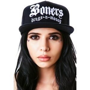 💎 NEW💎 UNIF Bones Embroidered Snapback Hat